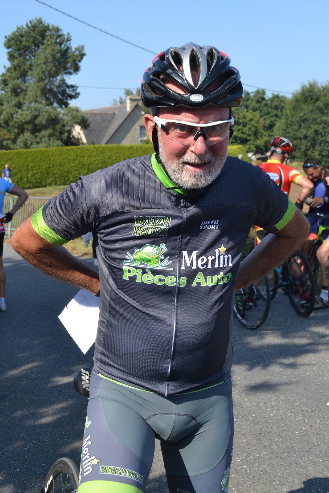 Daniel PRUNIER (Breizh  Reder), un ancien de L' UC Longjumeau: avant puis après l'arrivée.