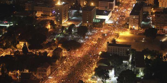 300 000 Israéliens, Juifs et Arabes, travailleurs et étudiants, descendent dans la rue pour protester contre la politique de classe du gouvernement Netanyahu