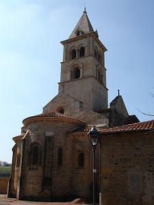 Eglise romane de Chateauneuf près de Chauffailles (71)