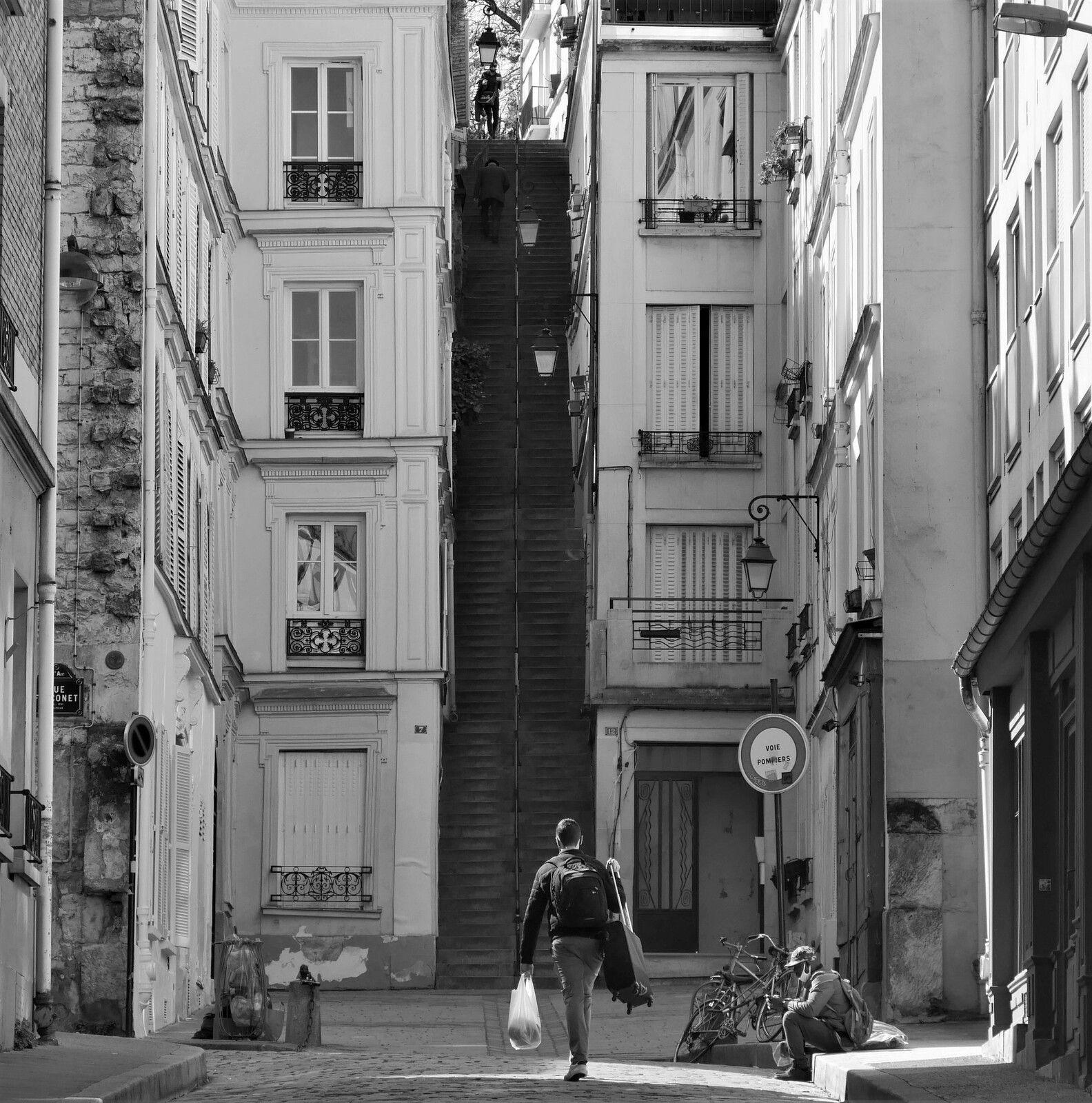 Mars 2021. Album photo jour après jour à Montmartre.