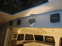 Les amenagements interieurs sont presque finis ( cuisine,carré, descente, électronique de navigation)