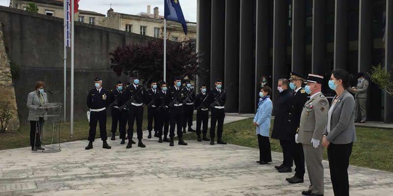 La cérémonie s'est déroulée dans la cour de l'ancien fort du Hâ, qui accueille aujourd'hui l'École nationale de la magistrature. © Crédit photo : Théo Abarrategui