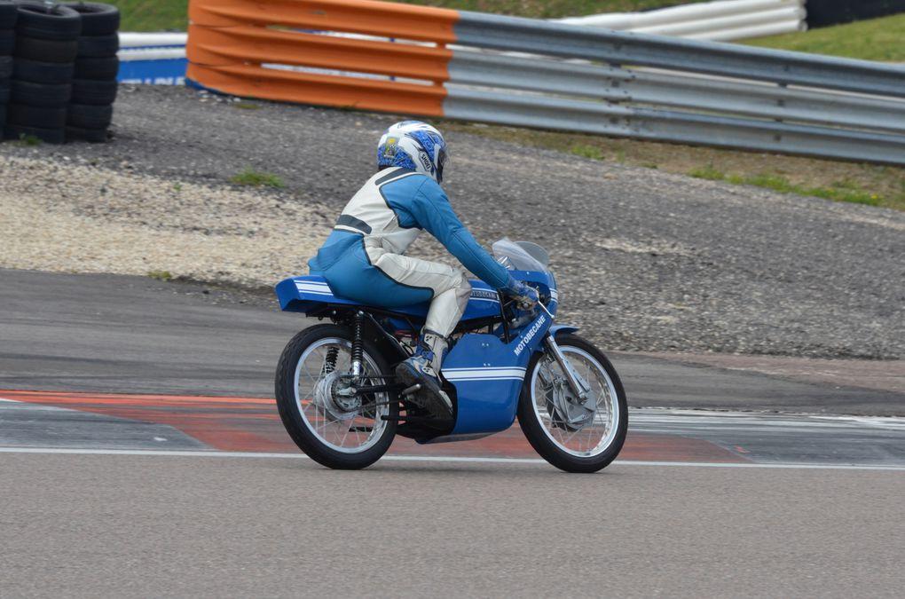 Photos piste Coupes Moto-Legende 2013  Dijon Prenois Démonstration piste motos
