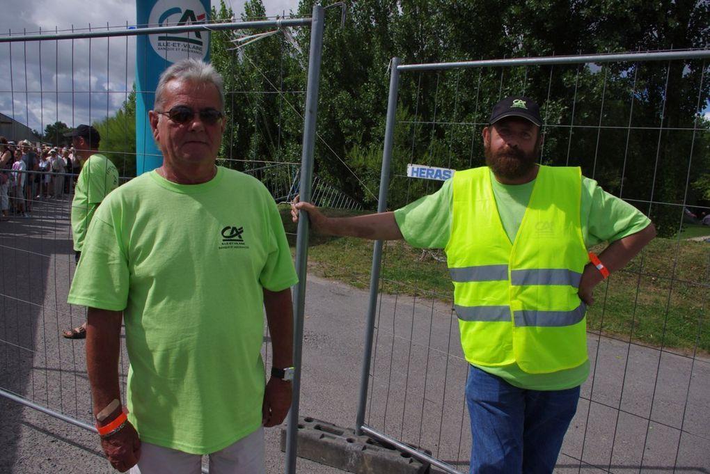 Dimanche 12 aout, les bénévoles du Comité des fêtes du Vivier sur Mer (35), organisaient l'édition 2012 de La Fête des Moules.