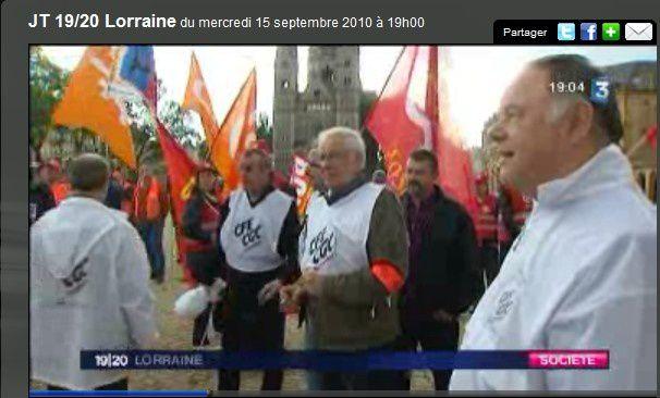 """Manifestation CFE-CGC, qui a rejoint l'intersyndicale, contre """"cette réforme des retraites"""" le 7 septembre 2010 sous une pluie battante."""