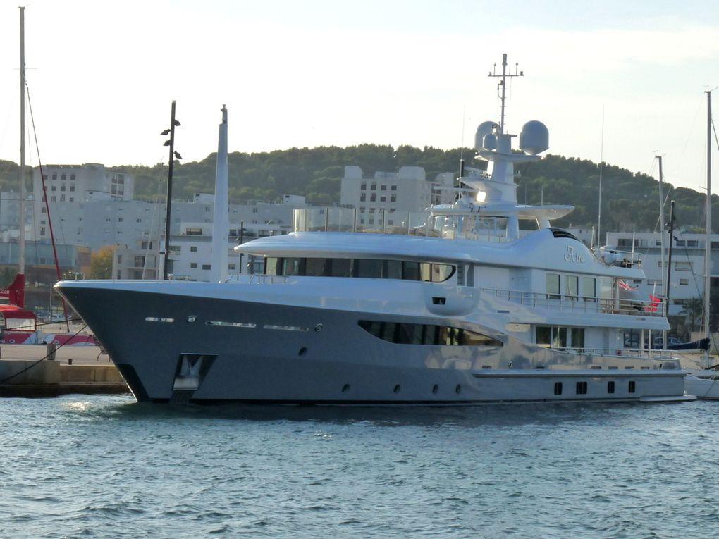 ASTRA , à quai à la Seyne sur Mer le 02 novembre 2015