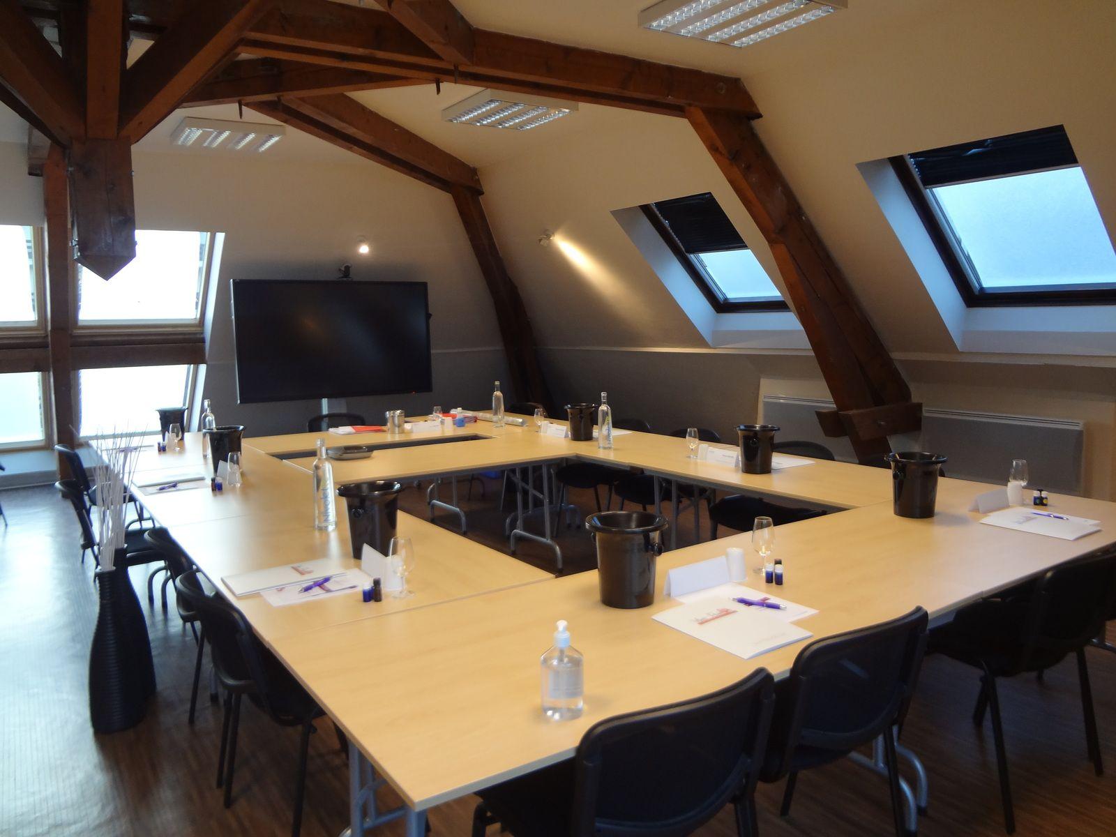 """Formation professionnelle à Chambéry avec Fagiht Formation :"""" EXPERT"""" - Œnologie, vins de France"""