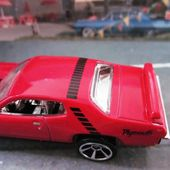 71 PLYMOUTH ROAD RUNNER HOT WHEELS 1/64 - car-collector.net