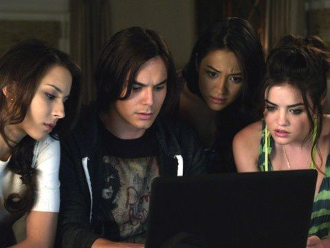 Critiques Séries: Pretty Little Liars. Saison 2. Episode 18.