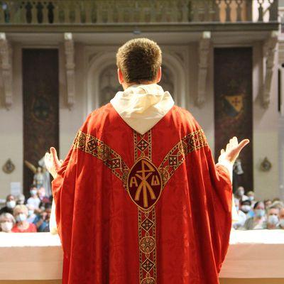 Faire célébrer une messe