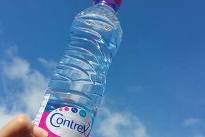 Test de l'eau minérale naturelle Contrex