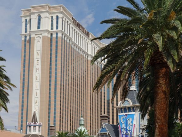 Las Vegas Bld vs Grand Canyon