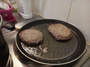 Steaks frites facile et pas cher.