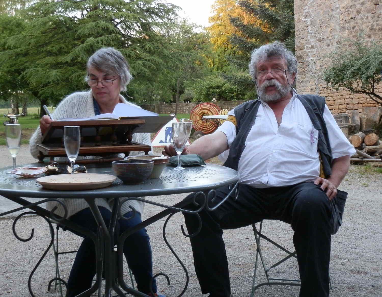 Dédicace et pause au Prieuré de Ruffey-sur-Seille (salon de Lons-le-Saunier 2018).