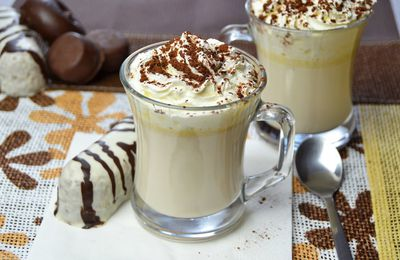 Chocolate blanco a la taza
