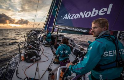 Volvo Ocean Race teams leverage up with crucial 24 hours ahead red-line