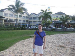 Vue devant l'hôtel Rooms ou bien de notre chambre