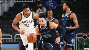 Milwaukee surpris par les Grizzlies, Washington ne s'arrête plus
