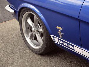 '65 Shelby Mustang GT 350 préparée