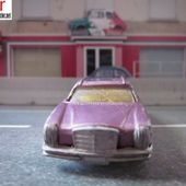 MERCEDES BENZ 250 CE VIOLETTE TINTOYS 1/64 - car-collector.net