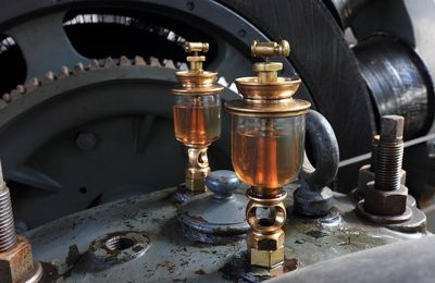 What Should You Know About Grease Lubrication Suppliers?