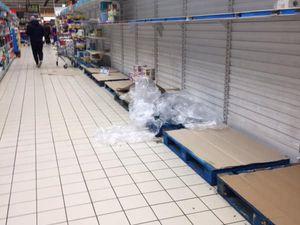 images à 21 h 00 le 12/03/20 à à Carrefour Wasquehal dans le Nord