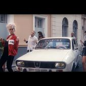 #BACKDANSLESBACS - Corine - Je danse le mia (clip officiel)