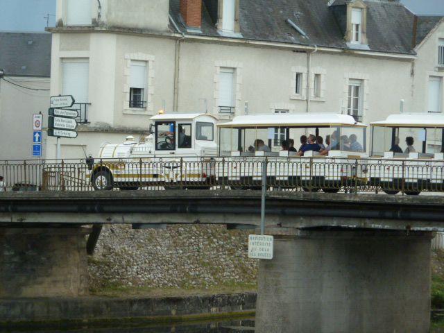 L'image du jour : un train sur le pont Molière
