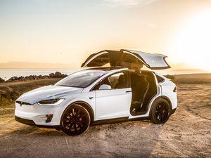 Lyon et Nantes pour les nouveaux sites Tesla France