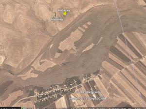 Kocadag (Nusaybin). A gauche, vue générale. A droite, zoom sur les ruines de l'ancien village