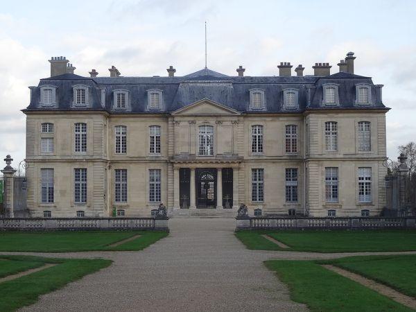Le château de Champs sur Marne