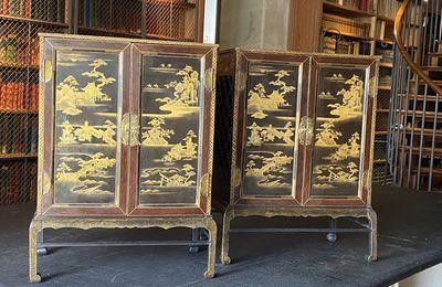 45 ans après leur vol, deux précieux cabinets japonais regagnent Chantilly !