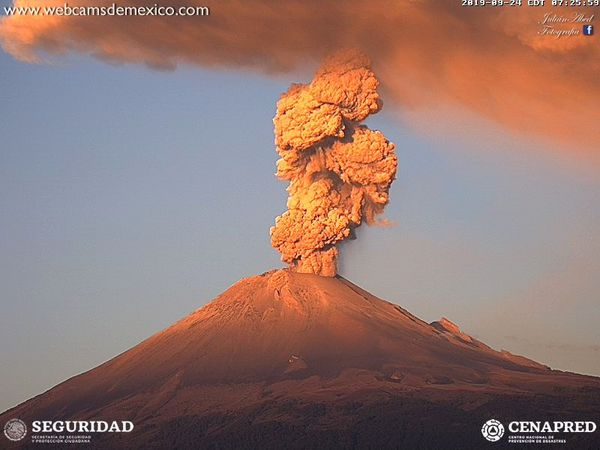 Popocatépetl - explosions of 24.09.2019, at 7:25, 7:07 and 8:28 - webcamsdeMexico / Cenapred - one click to enlarge