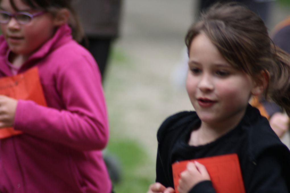 Vues du cross organisé par les parents et professionnels des écoles  Condorcet, avec l'appui du Centre socio-culturel du Tillay et de ses bénévoles, le 25 mai 2013.