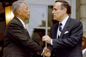 Giuliani, Once a Foe, Is Among First to Commemorate David Dinkins