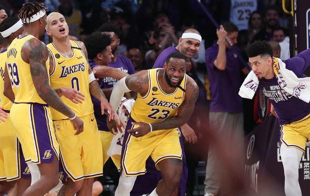 Les Lakers se relancent au Staples Center en dominant les Spurs