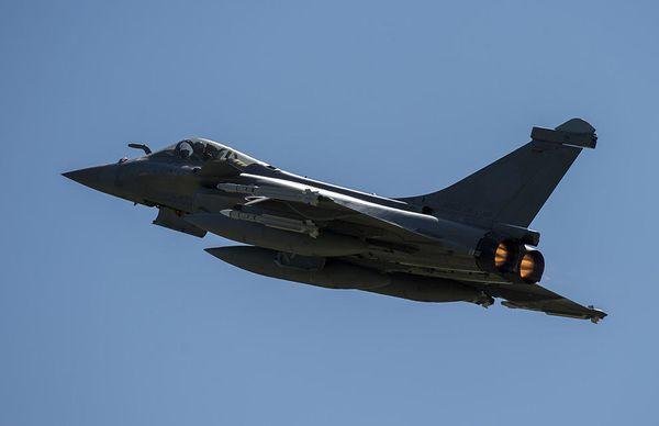 © EMA - Décollage d'un Rafale C depuis Malbork, avec une configuration utilisée pour la permanence opérationnelle.