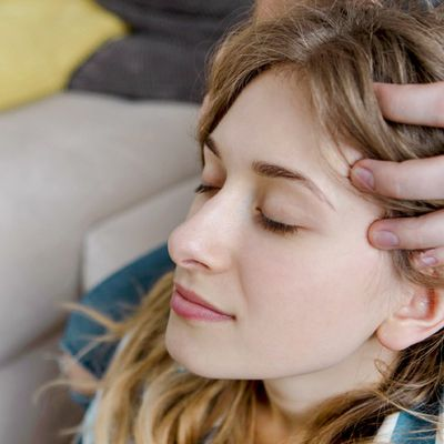 Easy Ways to Increase Hair Growth - The Natural Way to Regrow Your Hair!