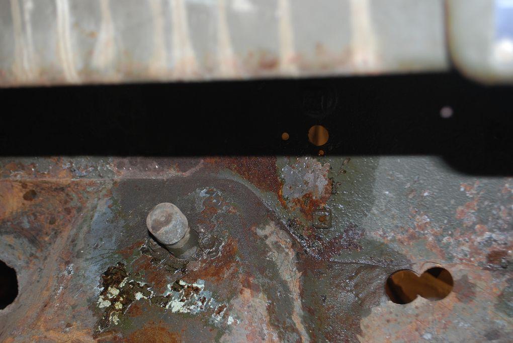 crédit photos alain Chaussade : décapage blackson -dépose tableau de bord-
