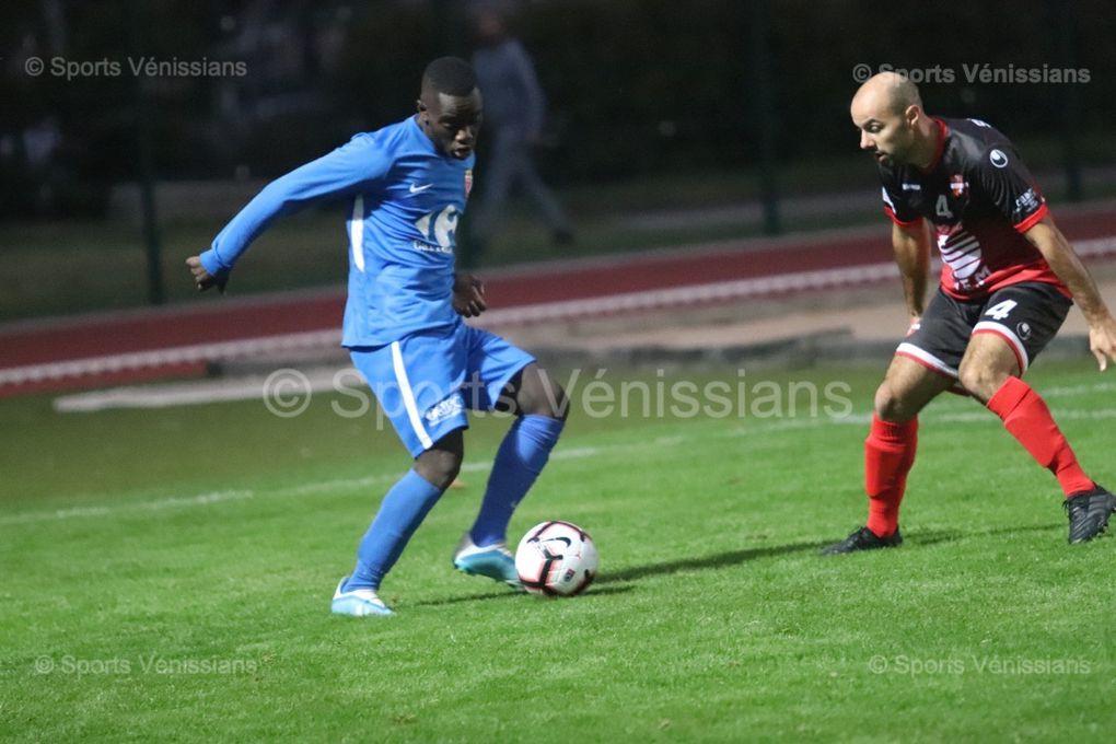 Vénissieux FC reste invaincue en championnat