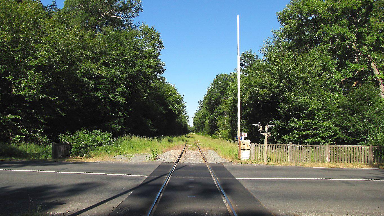 carrefour_ancienne voie ferrée_D130 (Route des Vineux)