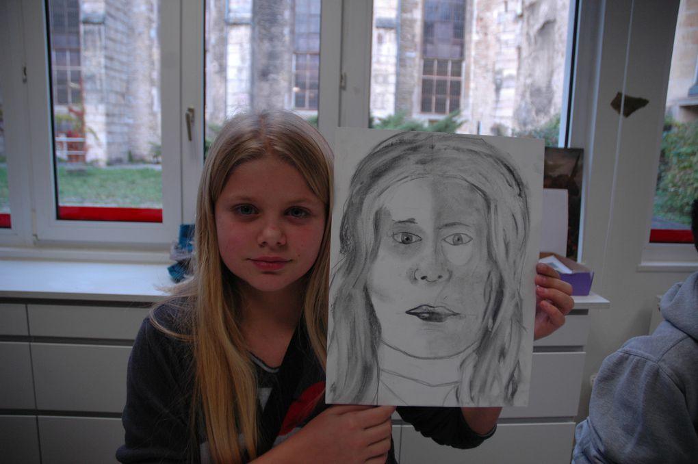 Projet autoportrait : place aux crayons !