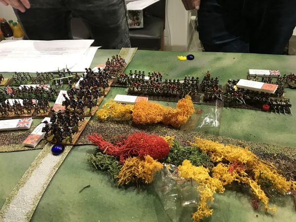 Sur le flanc gauche Français la cavalerie rentre en lice sous le feu de l'artillerie ! Pendant ce temps c'est un charnier sur le flanc droit ou les salves de contre feu pour arrêter les charges de l'infanterie se succèdent.