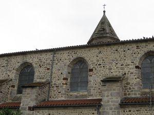 La façade nord de l'église...