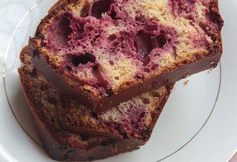 Cake au lait concentré & aux framboises