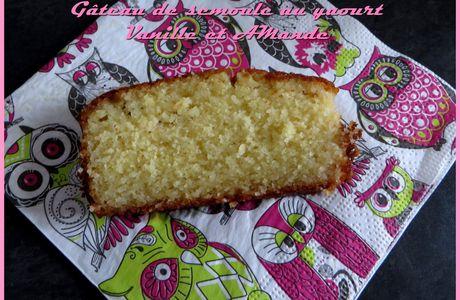 Gâteau de semoule au yaourt, Vanille et Amande