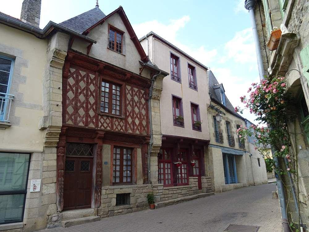 JOSSELIN une petite cité de caractère de Bretagne