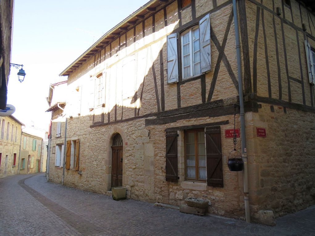 Cité médiévale fondée en 1222 par Raymond VII, comte de Toulouse