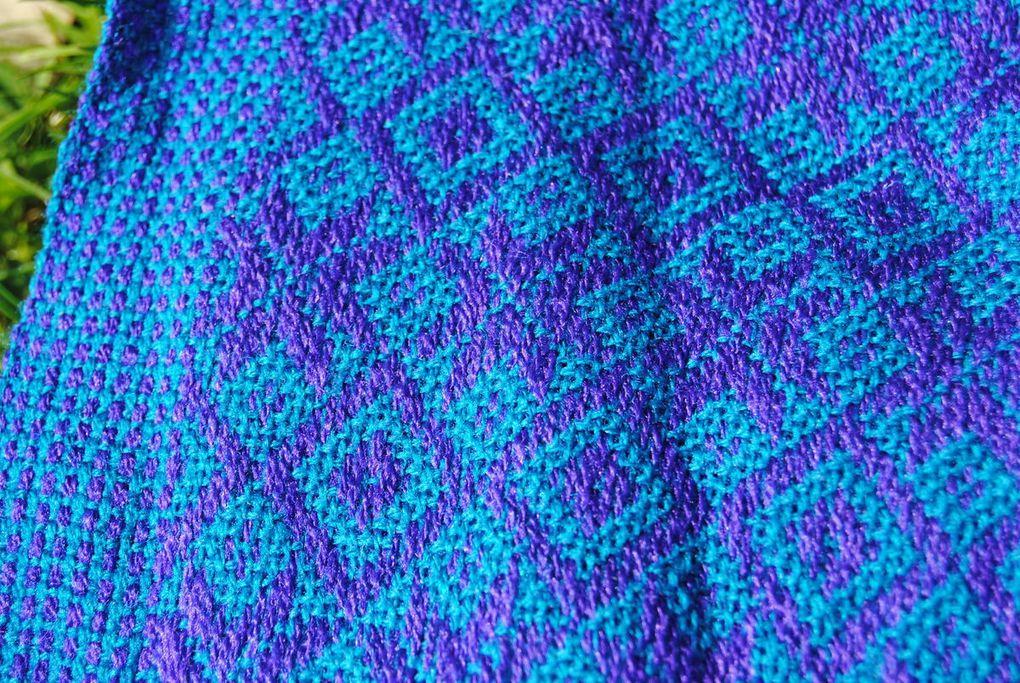 Acheter un rebozo coton ou laine/coton. Voici un diaporama de toutes les couleurs disponibles. Pour l'achat lui-même veuillez vous reporter à la page du site.