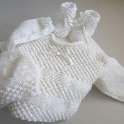 tricot bebe, brassiere, bonnet, chaussons, tricotés main